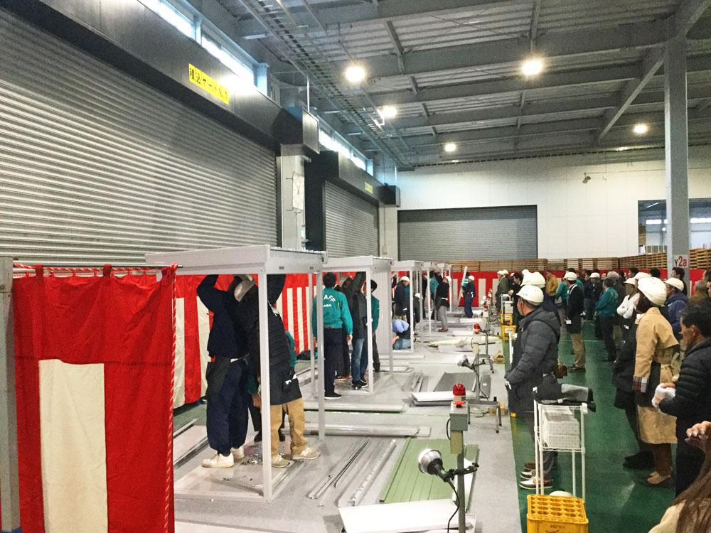 稲葉製作所工場見学、勉強会 物置組立競争